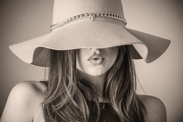 帽子 日よけ レディース UVカット100%で大人気!折りたたみOKな可愛い つば広帽♡